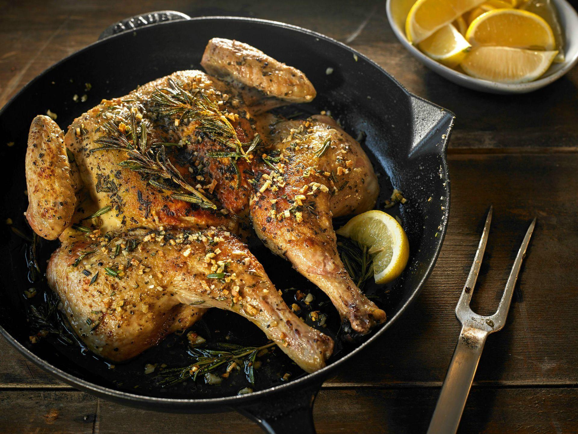 01cooking_chicken1-superjumbo-cooking