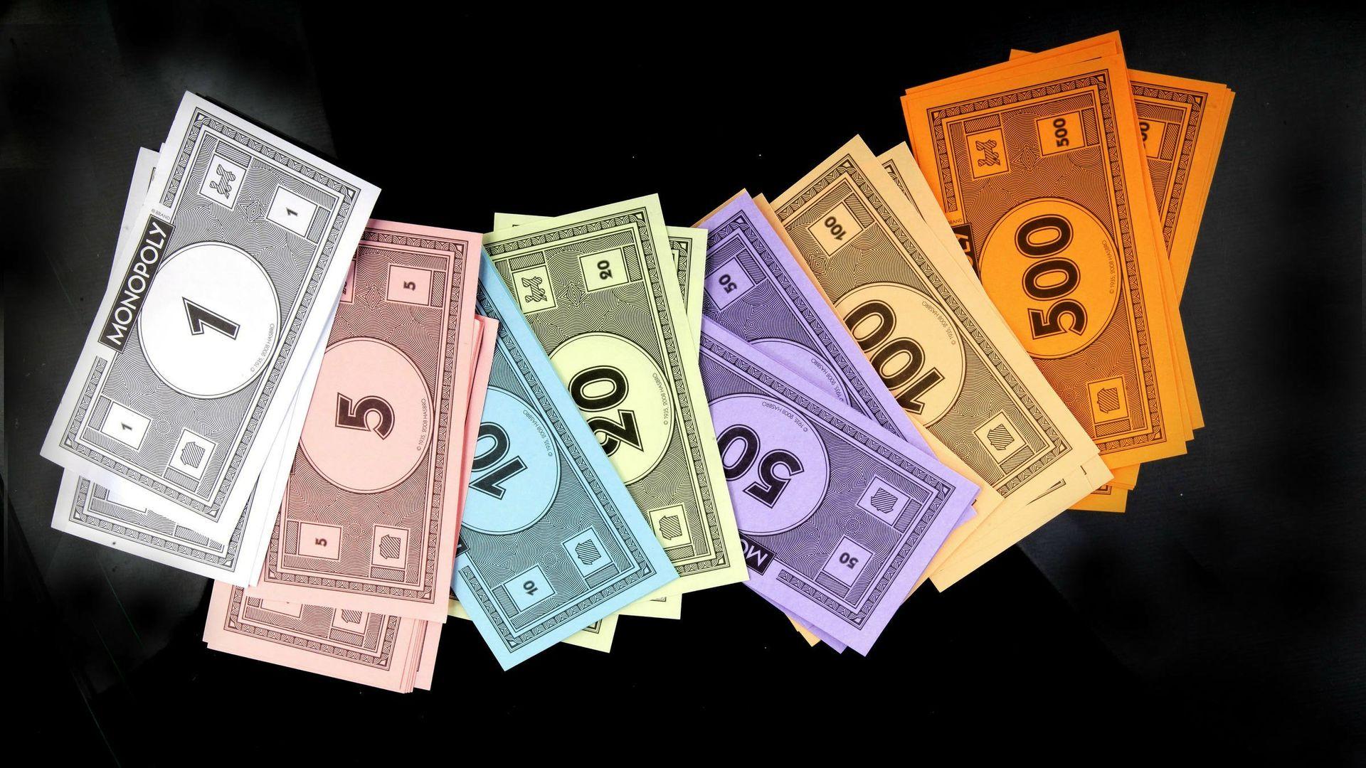 383552171-money