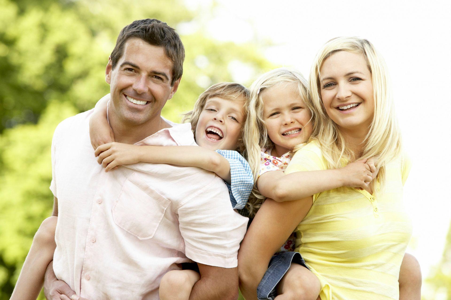 4240317-family-happy-family