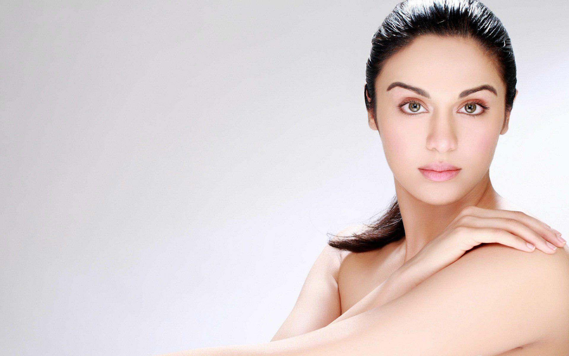 adah-sharma-fairy-skin-beauty-actress-beauty