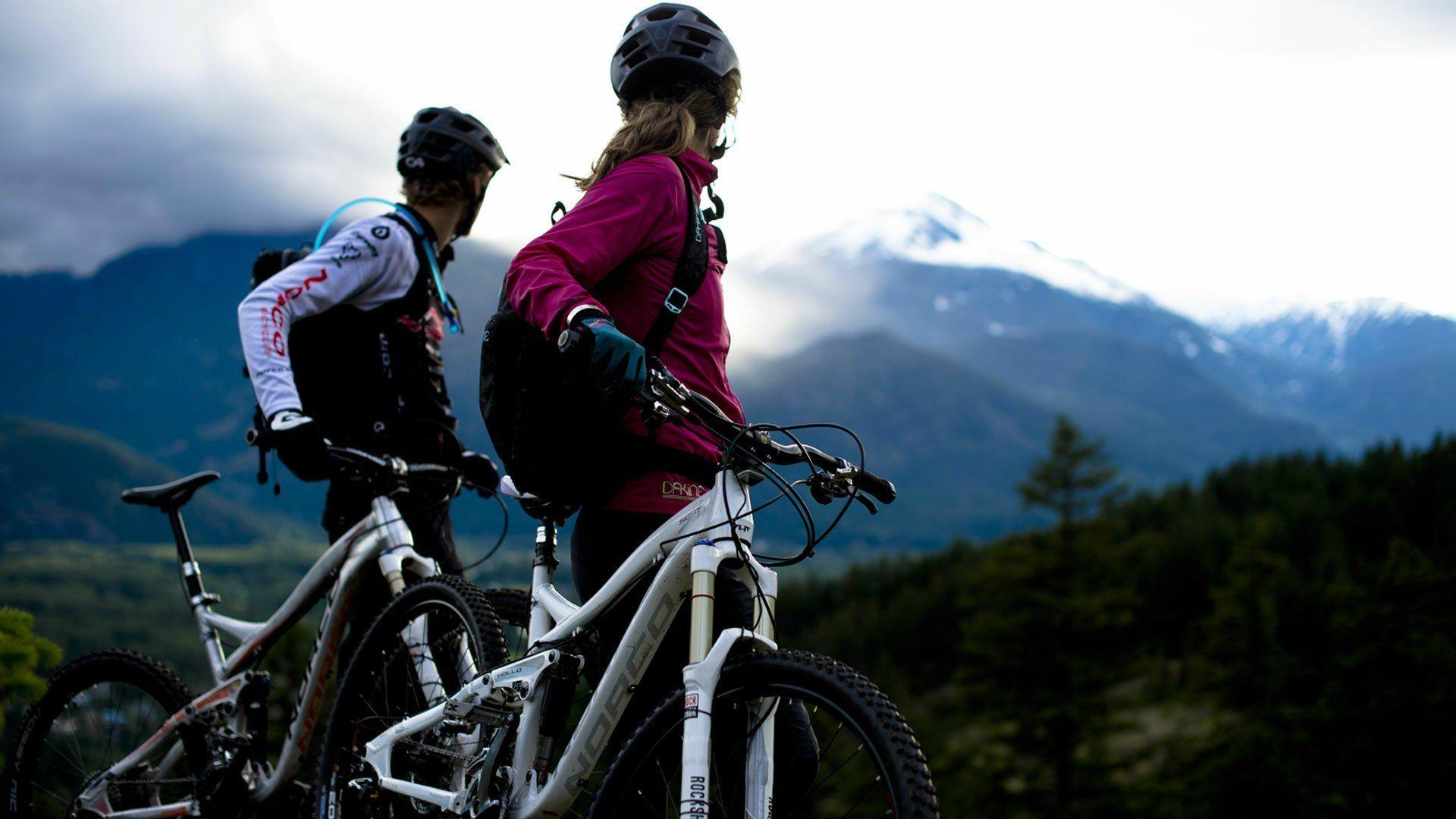 couple-bikes-mountain-1920×10801-couple