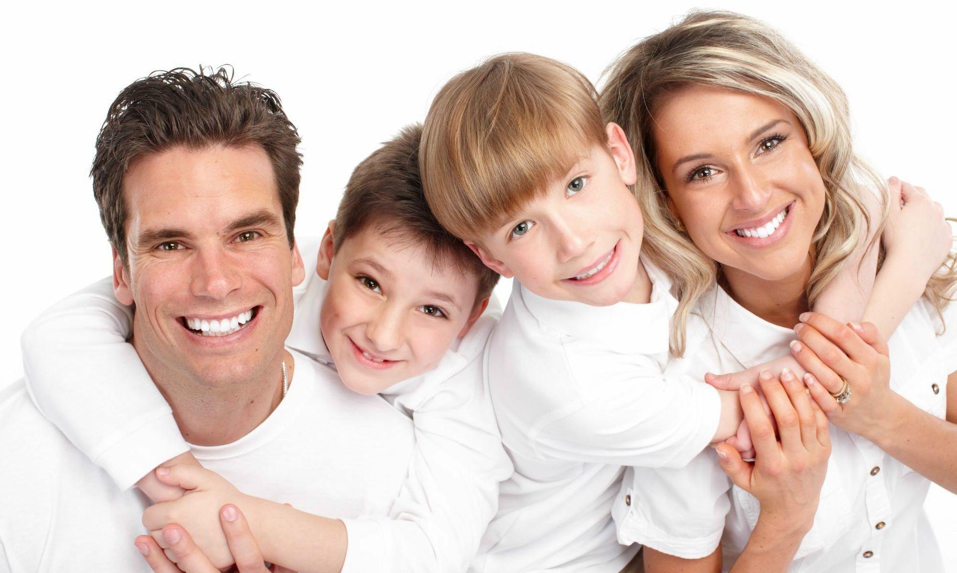cropped-bigstock-happy-family-7984616-happy-family