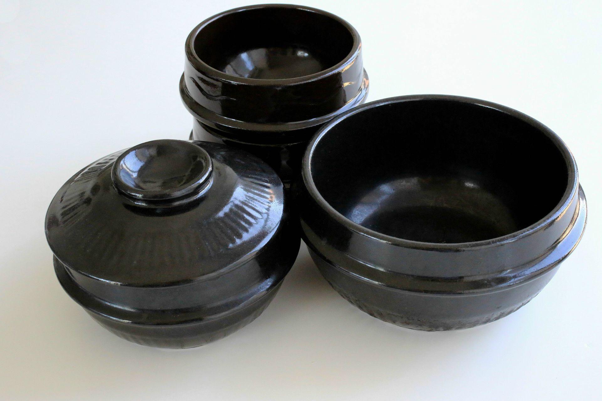 earthenware-pots-cooking