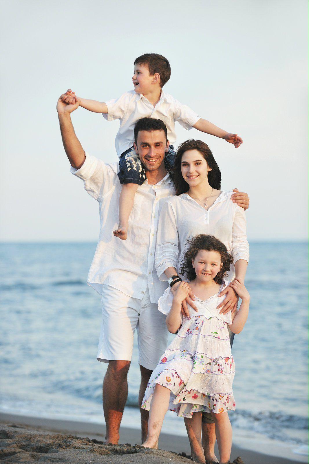 happy-family-on-beach-happy-family (2)