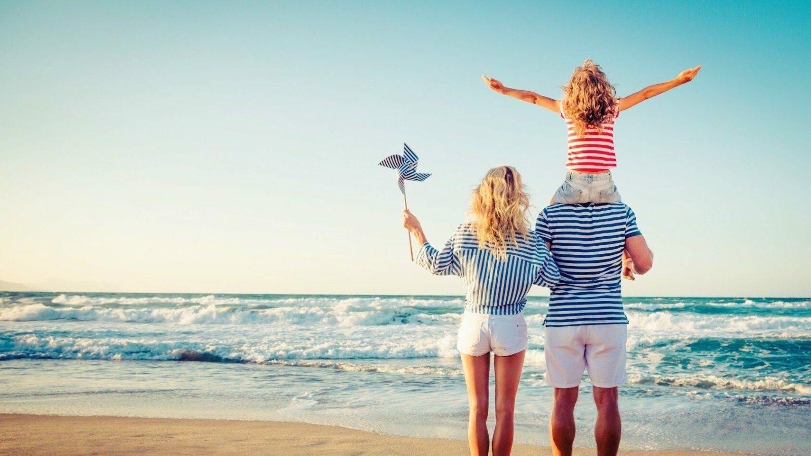 happy-family-secrets-1600×900-happy-family