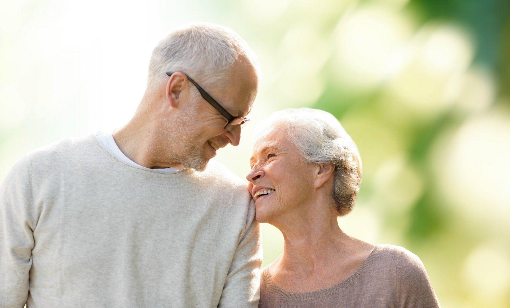 happy-senior-couple-couple