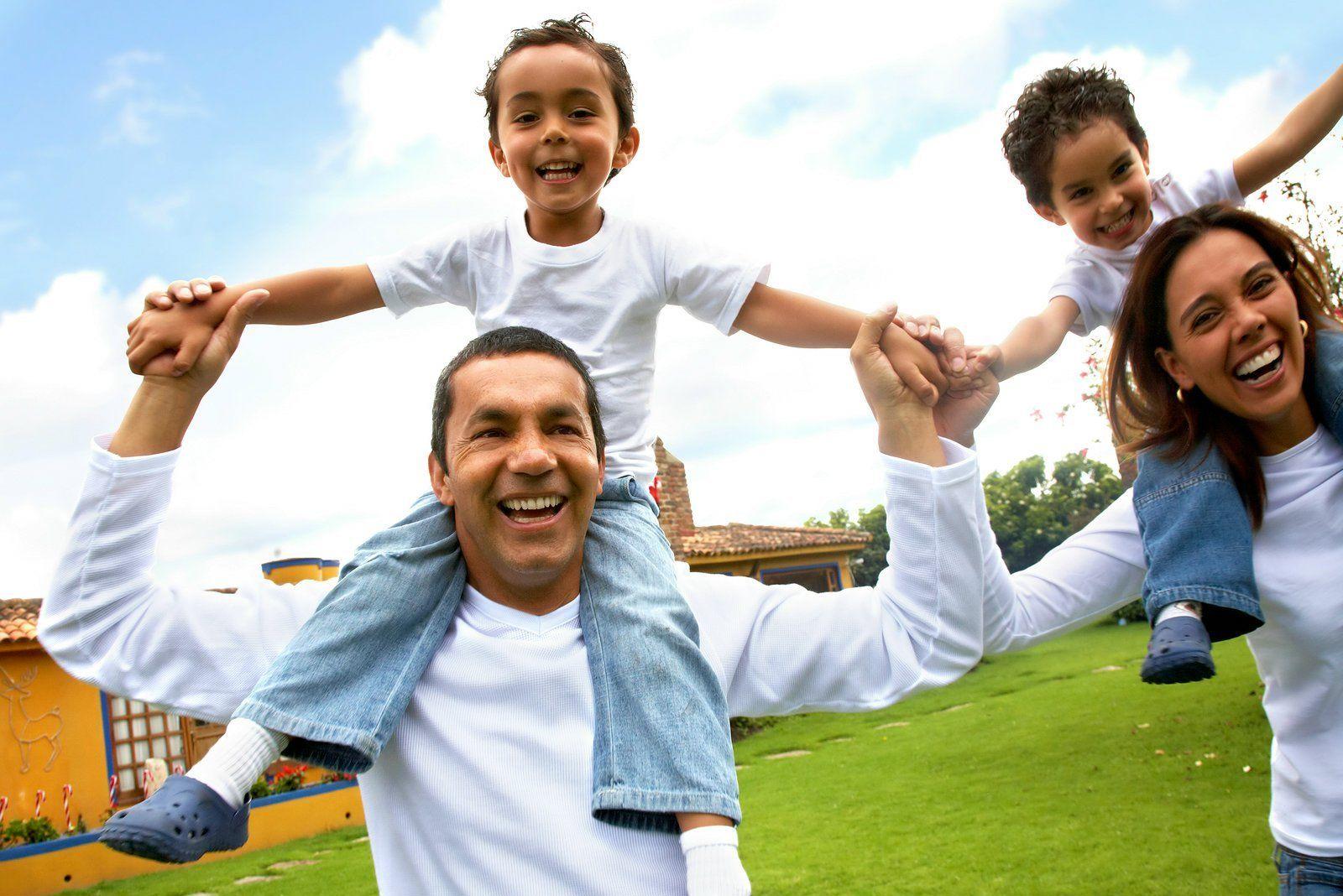 happy_family_2704990_oxhd-happy-family