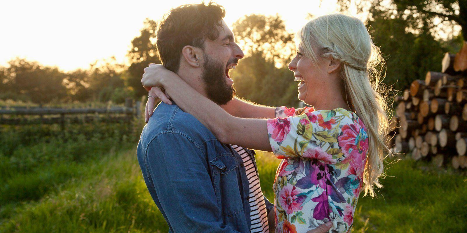landscape-1448296889-couplelaughing-couple