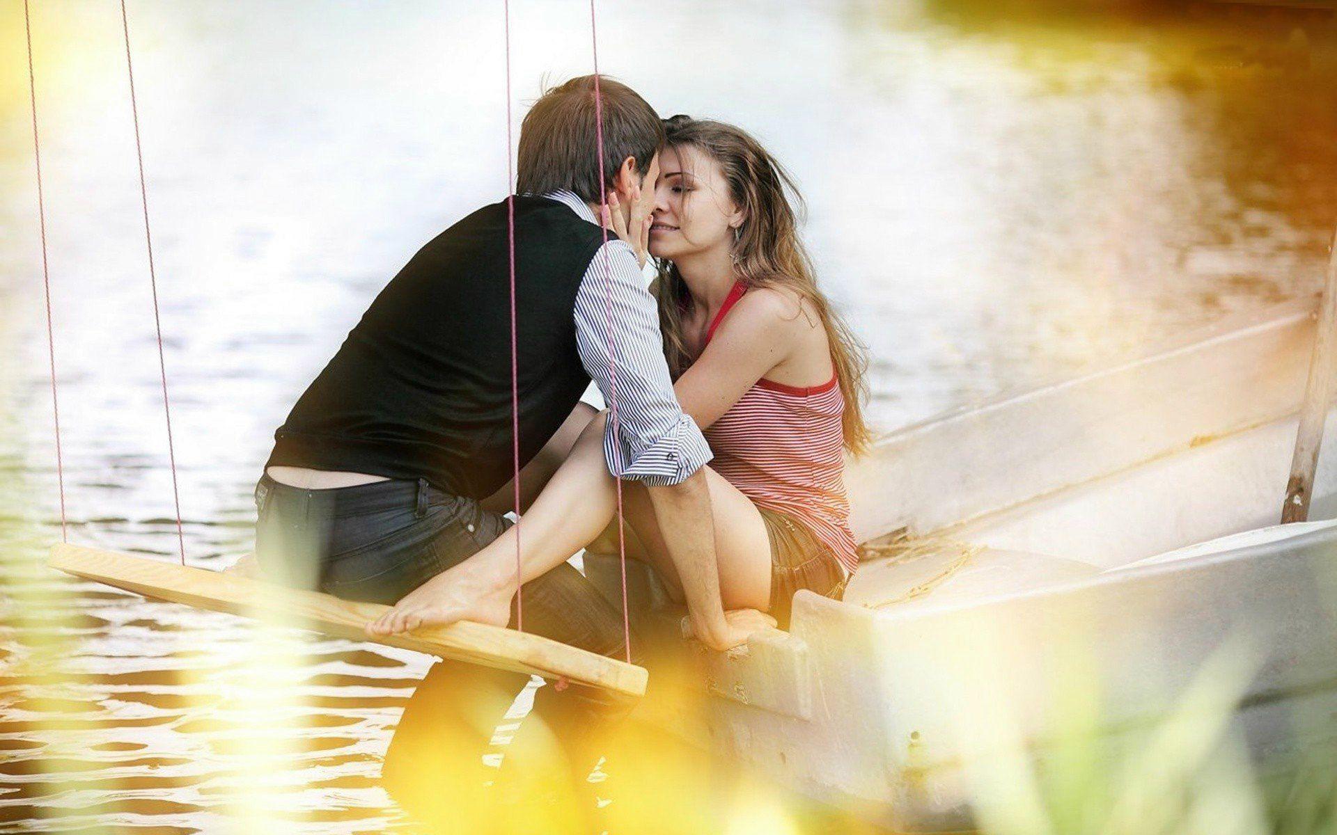 romantic-couple-kiss-hd-wallpapers-couple