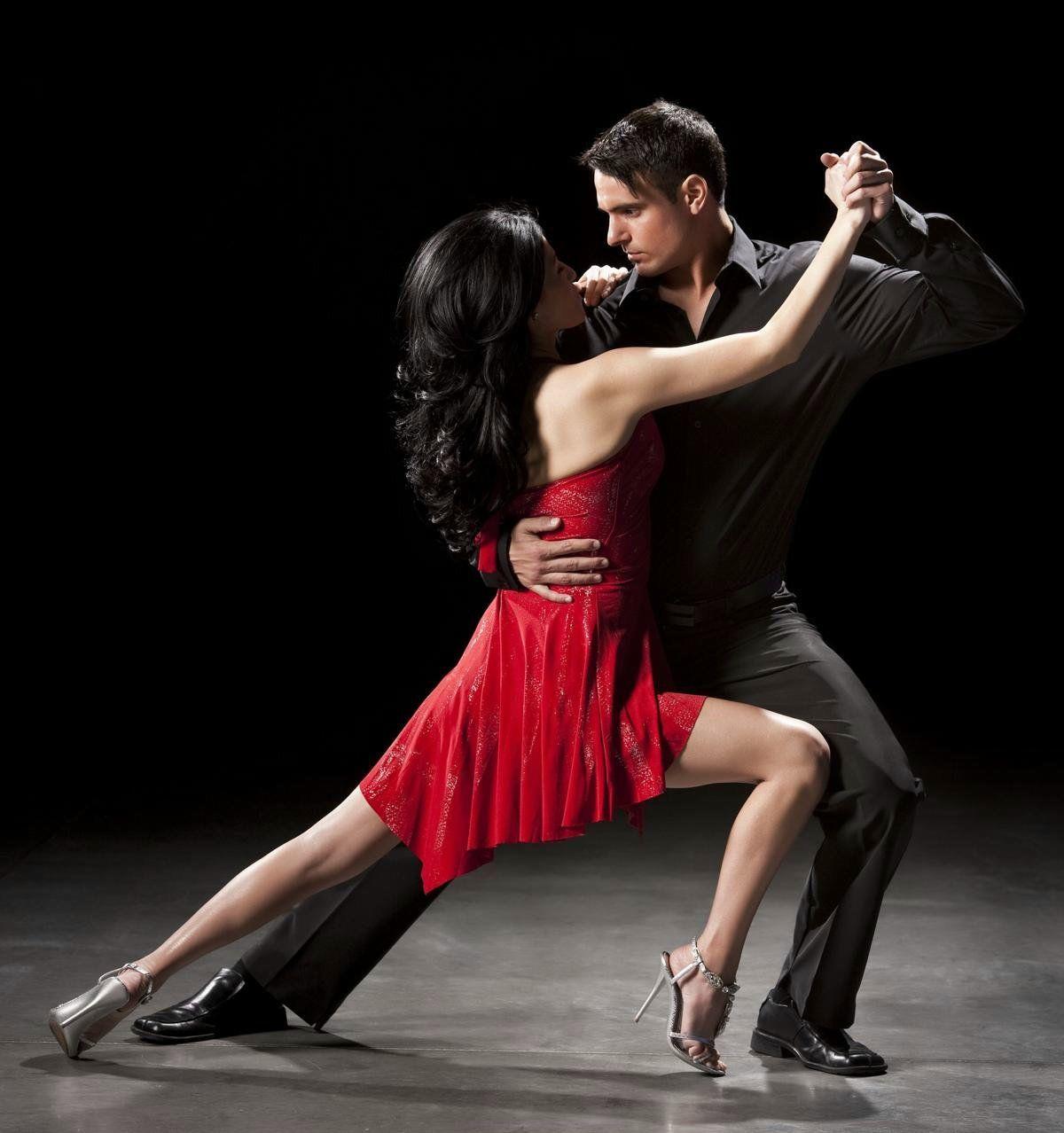 1200-12715159-couple-ballroom-dancing-couple
