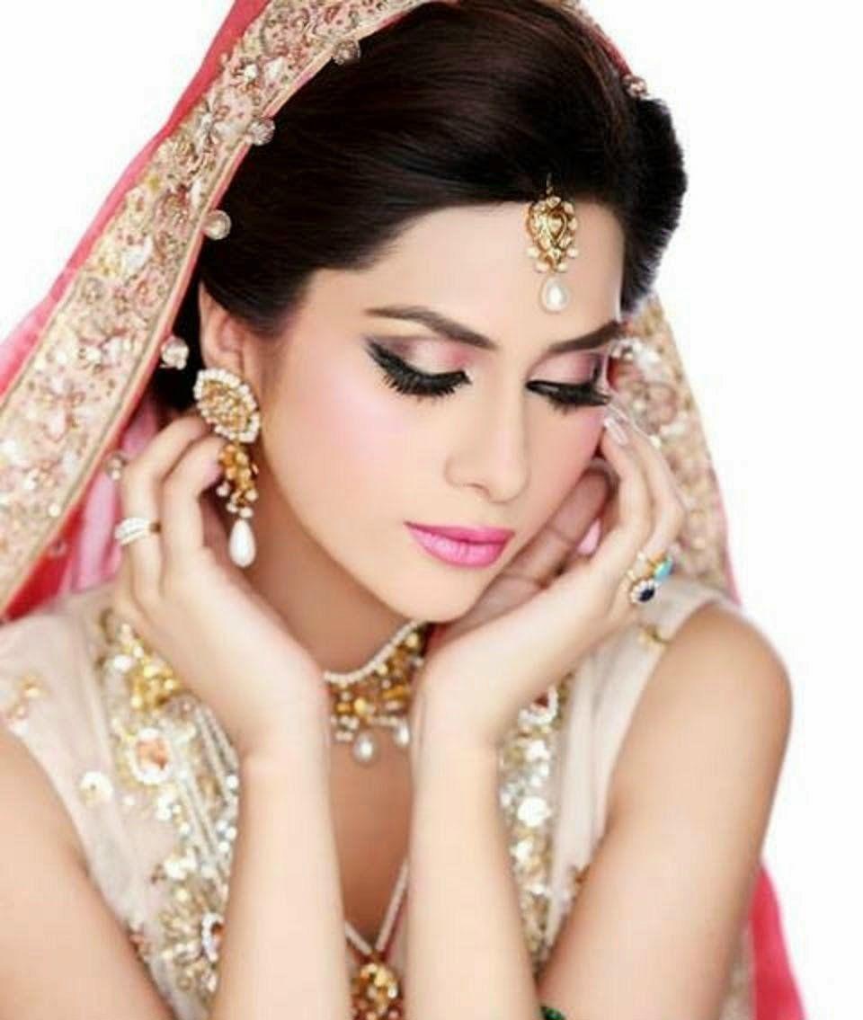 bridal-make-up-stylish-fashion-2015-by-beauty-parlor-3-copy-beauty
