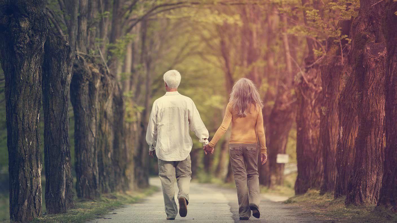 couple-walking-couple