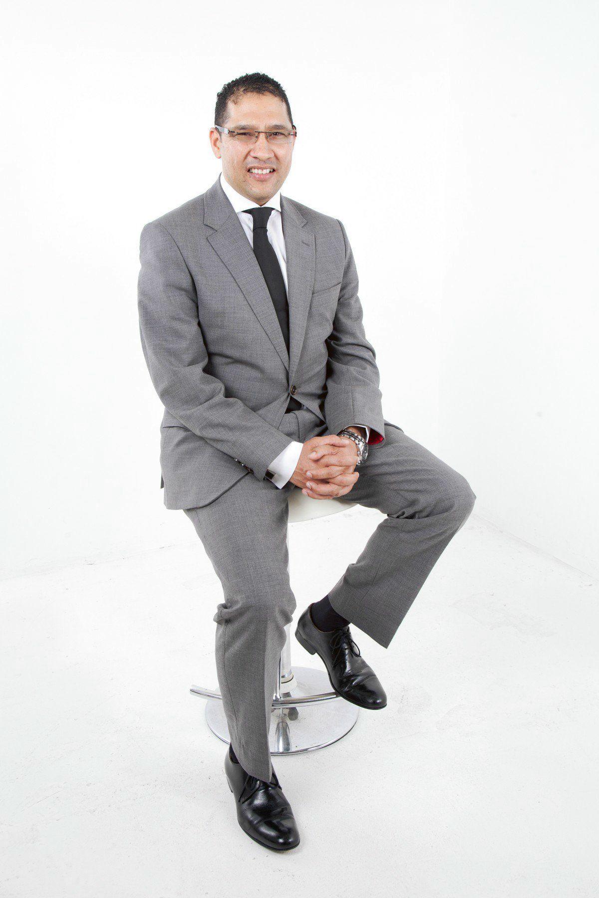 entrepreneur_boss_man_businessman_young_professional_corporate_people-868229-business-man