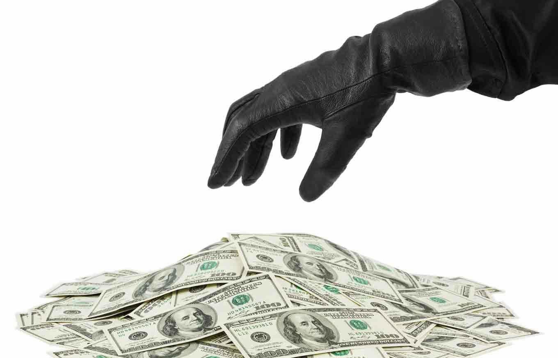 identitytheft-small-business_zoonar-money