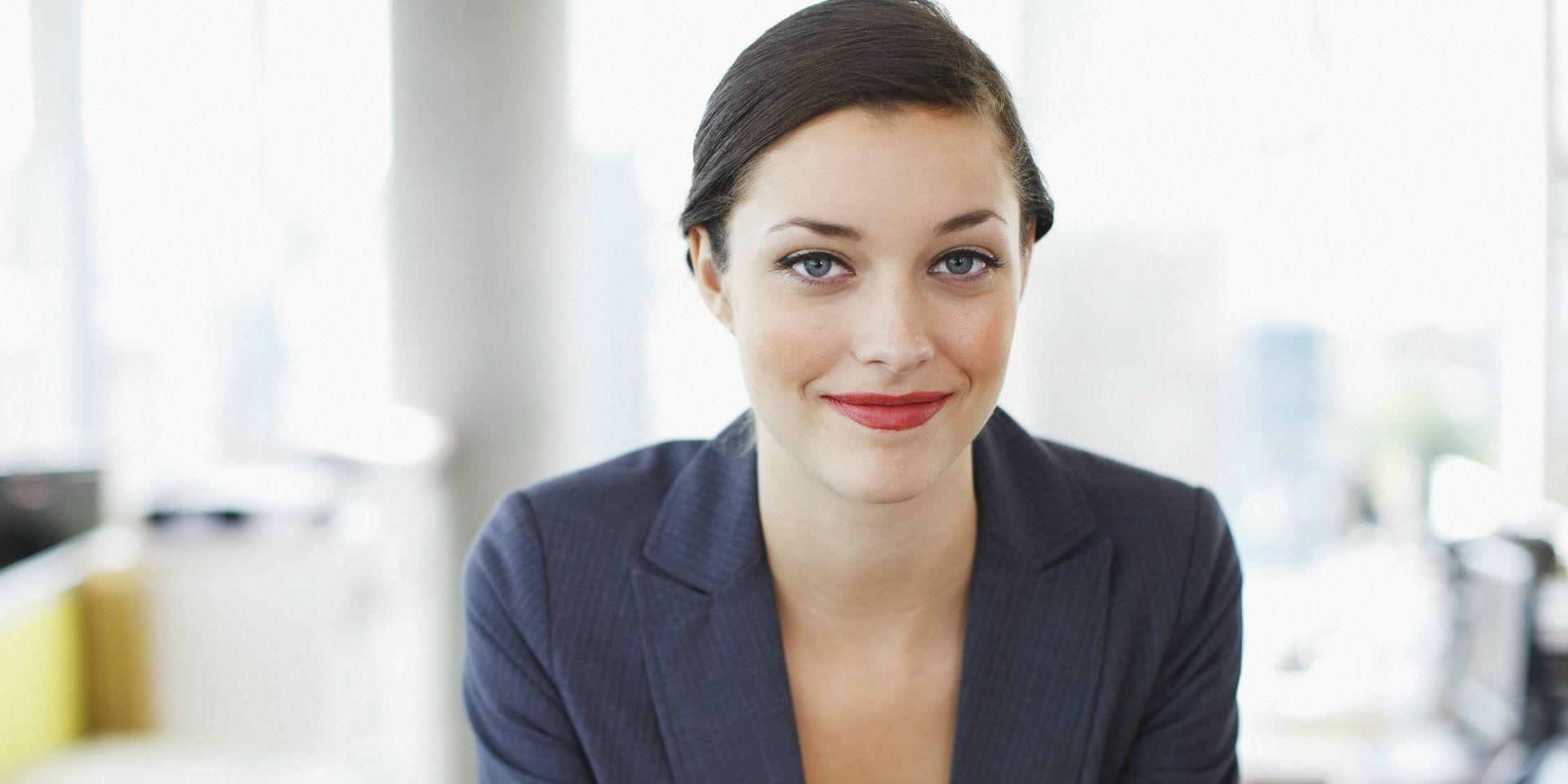 o-business-woman-facebook-business-woman (2)
